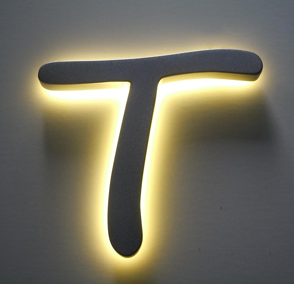 Litere 3D luminoase