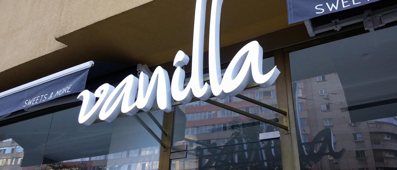 litere albe led 3D cofetarie vanilla
