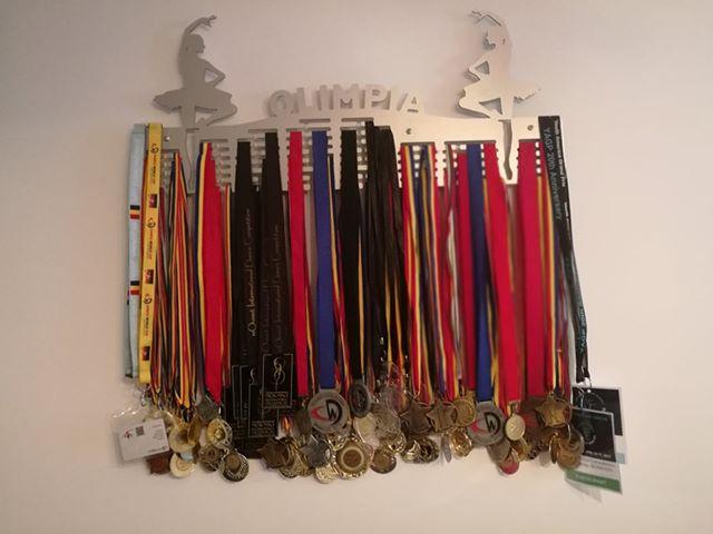 suport medalii balet