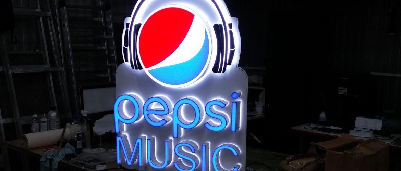 logo iluminat LED PEPSI
