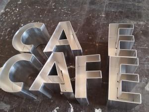 litere-aluminiu-adancime-10-cm