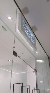 reclama-LED-cu-litere-plexiglas-decupate-Pepper