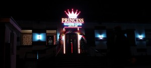 litere-aluminiu-LED-princess-gaming-club