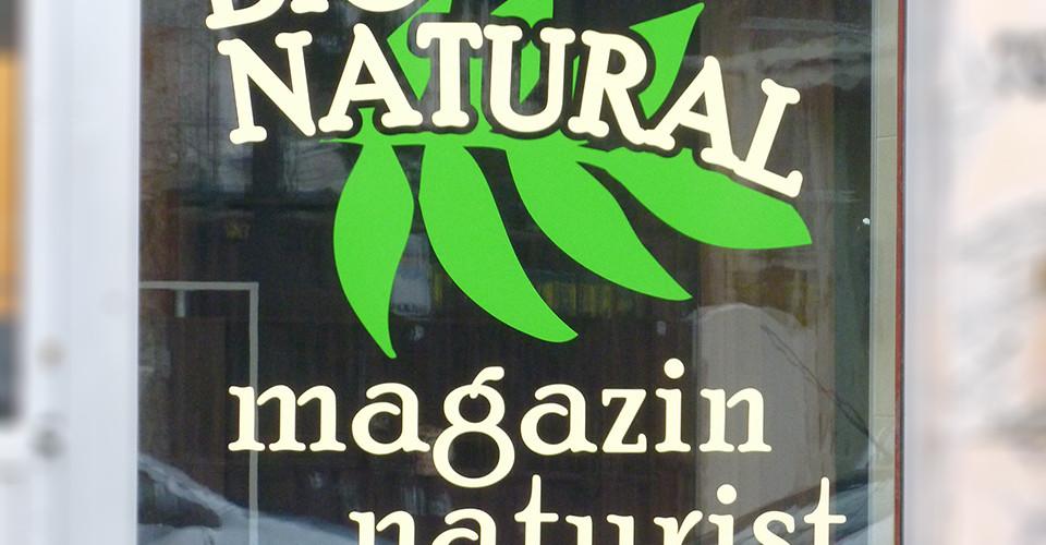 grafica-logo-decorare-vitrina