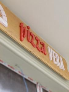 reclama-lemn-Pizza-Vera